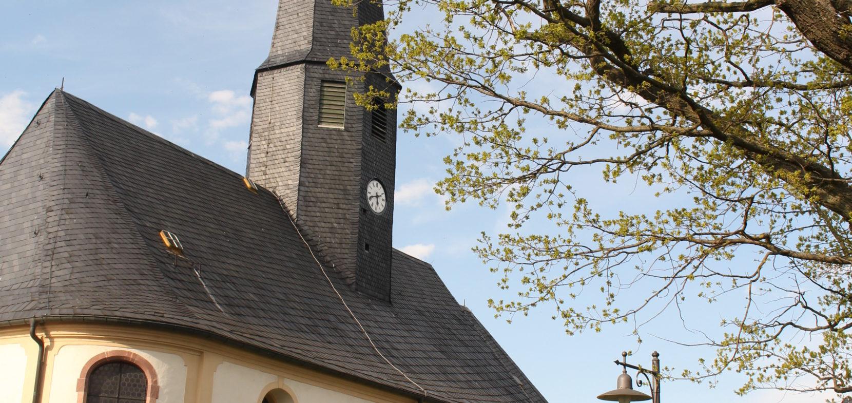 Gottesdienste finden unter Auflagen wieder statt !!